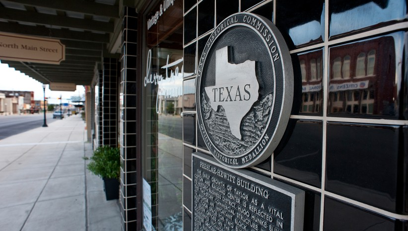 Image of the city seal in downtown Taylor, Texas