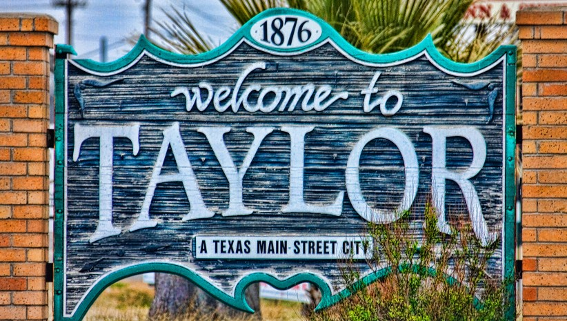 Image of the Welcome to Taylor sign in Taylor, Texas
